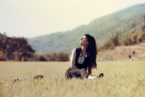 girl-meadow-person-1613-525x350
